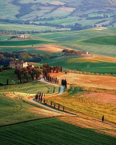 Peaceful valley 🌾 Val d'Orcia, Tuscany, Italy. Photo by Tag someone you love ✨ Peaceful valley 🌾 Val d'Orcia, Tuscany, Italy. Photo by Tag someone you love ✨ Italy Map, Tuscany Italy, Italy Travel, Verona Italy, Puglia Italy, Venice Italy, Belle Image Nature, Places To Travel, Places To Visit