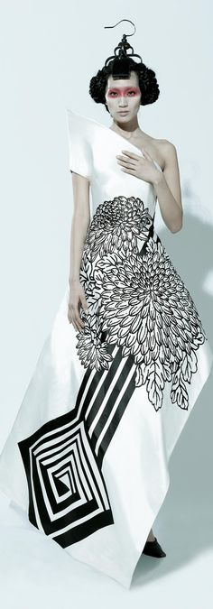 The Oriental, Design by Wu Haiyan / maybe not for wearing but for looking. wow!