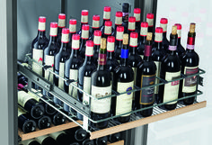You want to store your wines under wine cellar conditions for your customers in your bar or restaurant? Than you should look after a Liebherr WTPes 5972 Vinidor wine cabinet. The three wine safe can be controlled independendly. This means that you can store your red wine under 18c serving temperature. The middle wine safe…