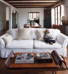 A room like this ... and a well behaved child?! ...