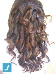 Lo sapevi che.... per il nostro Degradè Joelle utilizziamo esclusivi prodotti Wella che non danneggiano i capelli e la cute ottenendo ottimi risultati anche in salute?   #cdj #degradejoelle #tagliopuntearia #degradè #igers #naturalshades #hair #hairstyle #haircolour #haircut #longhair #style #hairfashion #matera #materainside #matera2019 #sassimatera #zerodifettistudioacconciatori