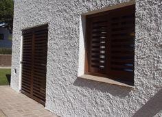 Portón de madera Iscletec