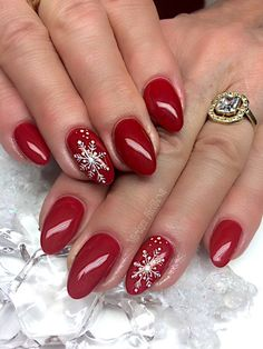 Top Christmas Nails Acrylic Ideas – What is the perfect Christmas nail acrylic idea you want? And with the re-creation of your own nails before Christmas, cute elk, snowman and candy cane are the most representative of Christmas. Classy Nails, Fancy Nails, Red Nails, Cute Nails, Pretty Nails, Christmas Gel Nails, Christmas Nail Art Designs, Holiday Nails, Christmas Ideas
