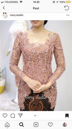 Kebaya Modern Hijab, Dress Brokat Modern, Model Kebaya Modern, Kebaya Hijab, Batik Fashion, Skirt Fashion, Model Dress Kebaya, Kebaya Simple, Kebaya Lace