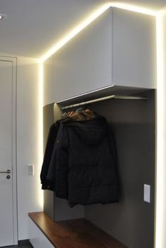 Wardrobes, furniture for corridors and entrance areas made to measure - Hall Entrance Decor, House Entrance, Entryway Decor, Hall Furniture, Wardrobe Furniture, Room Interior, Interior Design Living Room, Made To Measure Wardrobes, Halls
