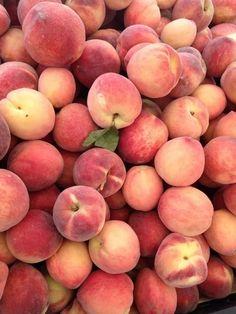 40 Ideas For Fruit Aesthetic Peach Aesthetic Images, Aesthetic Wallpapers, Peach Aesthetic, Food Wallpaper, Peach Wallpaper, Fruit Photography, Peach Trees, Just Peachy, Peach Colors