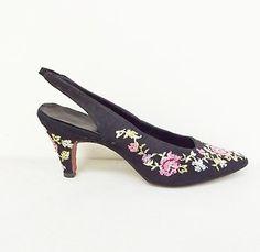 1950s Vintage Black Embroidered Elsa Schiaparelli Pumps Shoes sz 5.5 needlepoint