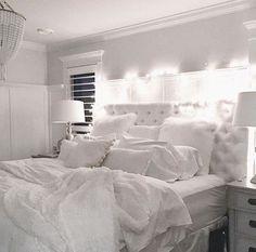 Bedroom room decor white room decoration all white bedroom decorating ideas white bedroom design master bedroom Master Bedroom Interior, Bedroom Inspo, Home Decor Bedroom, Modern Bedroom, Bedroom Ideas, Bedroom Bed, Master Bedrooms, Trendy Bedroom, Bedroom Designs