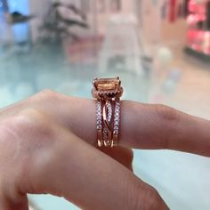 #hellojewelr #ring #engagement #weddings #shopping #weddingset #ringset #gift #silver #sterlingsilver #silverring #shopping #onlineshopping Natural Emerald Rings, Emerald Ring Gold, Sapphire Rings, Topaz Ring, Baguette Diamond Rings, Rings Cool, Large Crystals, Stone Rings, Fine Jewelry