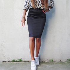 Island babing in the Catwalk Junkie crocko skirt & leopard sweater. @eve_riupassa