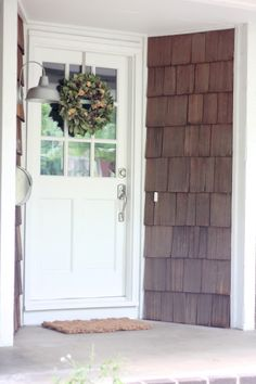How To: Add Curb Appeal to your home | DIY home decor | outdoor decor | fall wreath