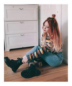 Grunge grunge fashion in 2019 Denim Fashion, 90s Fashion, Girl Fashion, Fashion Outfits, Fashion Trends, Woman Outfits, Fashion Inspiration, Grunge Outfits, Casual Outfits