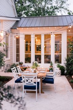 Our Back Patio Makeover Just In Time For Summer Entertaining Gal Meets Glam Dream House Ideas Entertaining Gal Glam Makeover Meets Patio Summer time Design Exterior, Patio Design, House Design, Future House, Back Patio, Backyard Patio, Backyard Ideas, Landscaping Ideas, Patio Decks