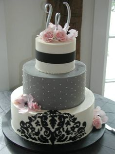 white black and grey wedding cake without the big black pattern on the bottom