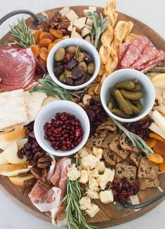 How to Build a Dessert Board for Holiday Entertaining (Hello Glow) Japanese Dinner, Plum Pretty Sugar, Pizza Ingredients, Traditional Cakes, Edible Gifts, Feeding A Crowd, Charcuterie Board, Holiday Desserts, Fresh Rolls