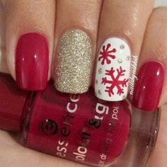 red snowflakes nail art