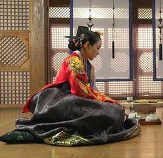 [장옥정, 사랑에 살다]Jang Ok-jung, Living by Love(Hangul:장옥정, 사랑에 살다;RR:Jang Ok-jeong, Sarang-e salda) is a 2013 South Korean historical television series, starringKim Tae-hee,Yoo Ah-in,Hong Soo-hyunandJae Hee. It is about Jang Ok-jung, the real name ofJang Hui-bin, a royal concubine during theJoseon Dynastywho became infamous for her hunger for power and ruthless plotting before she was sentenced to death. Based on the 2008chick litnovel by Choi Jung-mi, it is a reinterpretation of Jang… Korean Hanbok, Korean Dress, Korean Outfits, Korean People, Korean Women, Korean Girl, Korean Traditional Dress, Traditional Dresses, Jang Ok Jung
