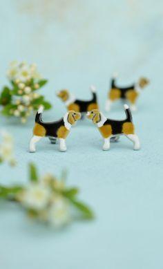 Dorota Kozłowska DORCA ceramics  Beagle- dog miniatures, stud earrings www.polandhandmade.pl #polandhandmade #ceramic #ceramicearrings