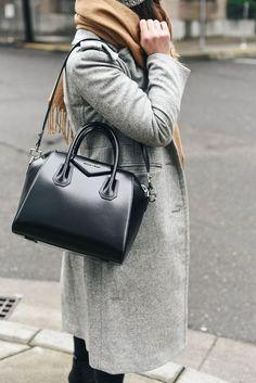 17 Chic Tote Bags for Work Givenchy Bag / work tote bag Cheap Purses, Cute Purses, Purses Boho, Guess Purses, Red Purses, Cheap Bags, Handbags On Sale, Purses And Handbags, Popular Handbags