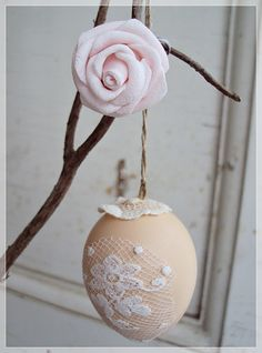 Easter Egg: COLOR AND ADD SOME LACE CUTOUTS