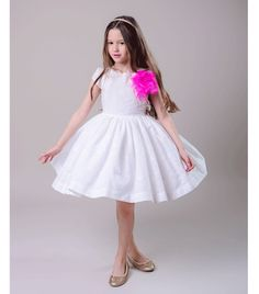 Pink Feathers, Dress P, Tulle, Flower Girl Dresses, Ballet Skirt, Wedding Dresses, Pretty, Skirts, Cotton