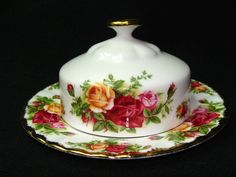Royal Albert China Old Country Roses Round 2 Piece Butter Dish 1st Quality Mint
