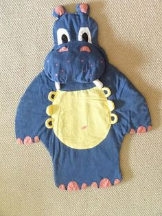 hippo Baby play mat....  i need this when we have kids!
