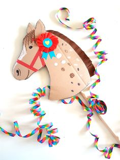 Recycled Crafts, Diy And Crafts, Arts And Crafts, Paper Crafts, Horse Party, Cowboy Party, Anniversaire Cow-boy, Diy For Kids, Crafts For Kids