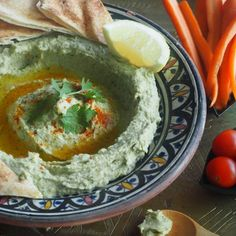 Fifty shades of hummus!! Why stick to the basic taste when you can indulge in different variations that are just as delicious and mouth-watering? Growing up in Africa, I was only exposed to the bas…