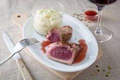 Pavé d'autruche, purée à l'huile de truffe, sauce au vin rouge, les recettes de nos chefs