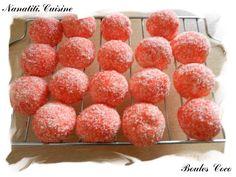 Voici encore une recette tirée du livre & La java des bonbons & (références en fin d'article). J'ai fais ces petites boules coco pour offrir à mes collègues pour mon départ en vacances. Voici la recette: Ingrédients : 40 gr de gomme arabique ( ici ) 170...