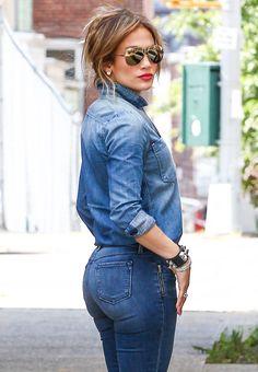 Jennifer López vuelve a su casa del Bronx #cine                                                                                                                                                                                 Más