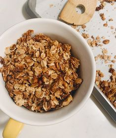 Homemade granola is the absolute best & @violets.kitchen is a master at it!