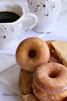 Manal's Bites: الدونتس واخيرا...Donuts...go NUTS