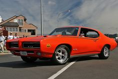 1968 Pontiac GTO Judge / 440ci w/ Three Deuces