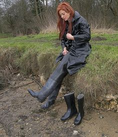 Black Rubber Waders