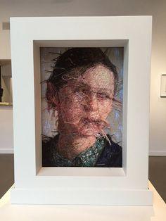 Retratos feitos pela artista americana Cayce Zavaglia são produzidos apenas com linhas e agulhas.