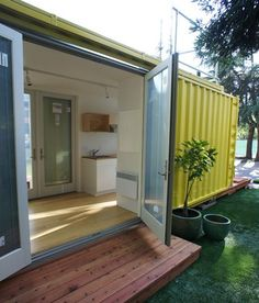 Shipping Container Homes Interior | Underground Shipping Container Homes | ... Stores. Lees meer: www ... If you like Duct Tape please follow our boards!