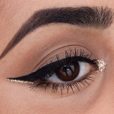 31 Real Girl Ways to Rock Glitter on New Year's Eve: The holidays and glitter makeup are a perfect match, but it can be daunting to try out sparkles in real life.