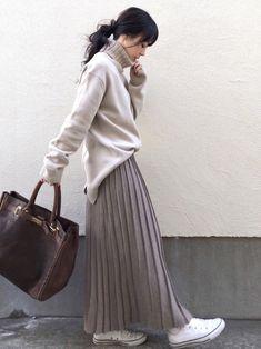 Japanese Fashion, Asian Fashion, Look Fashion, Winter Mode Outfits, Winter Fashion Outfits, Long Skirt Fashion, Modest Fashion, Moda Casual, Street Style