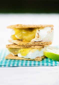 Key Lime Pie S'Mores - Neatorama