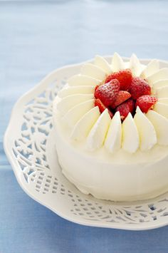 Strawberry Hall cake Panna Cotta, Strawberry, Pudding, Ethnic Recipes, Desserts, Food, Tailgate Desserts, Dulce De Leche, Deserts