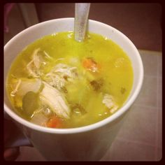 Quick cure for the flu: Rotisserie Chicken Soup- chicken noodle soup with rotisserie chicken- so easy! I'd eat this soup! Chicken Soup For Colds, Rotisserie Chicken Soup, Healthy Chicken Soup, Vegetarian Chicken, Vegetable Soup With Chicken, Paleo Soup, Chicken Soup Recipes, Chicken And Vegetables, Recipe Chicken
