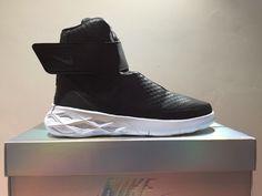 42abdad62354 Nike Swoosh Hunter Sneaker High Top UK Size 11 US 12 EUR 45 CM 30