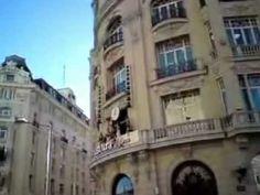 MOV00206/Reloj típico de la ciudad de Madrid.