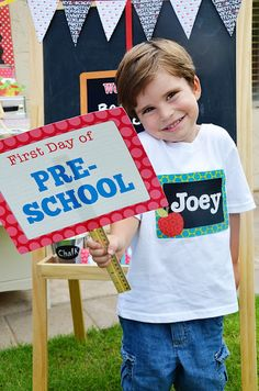 Back to School: Free Photo Checklist + 5 Printable Sets for First Day of School Pictures