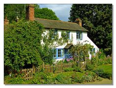by Donnie Ray on flickr. English country cottage - Peaslake Surrey.
