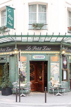 Le petit Zinc Parisian Cafe - Every Day Paris Paris Coffee Shop, French Coffee Shop, French Bistro, Coffee Shop Design, Cafe Design, Interior Design, French Cafe Decor, Petite France, Coffee Shop Aesthetic
