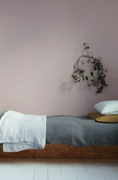 Dusky pink paint