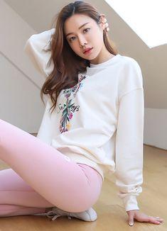 Korean Women`s Fashion Shopping Mall, Styleonme. Fashion Models, Girl Fashion, Fashion Outfits, Womens Fashion, Cute Asian Girls, Beautiful Asian Girls, Look Girl, Nylons, Street Style Trends